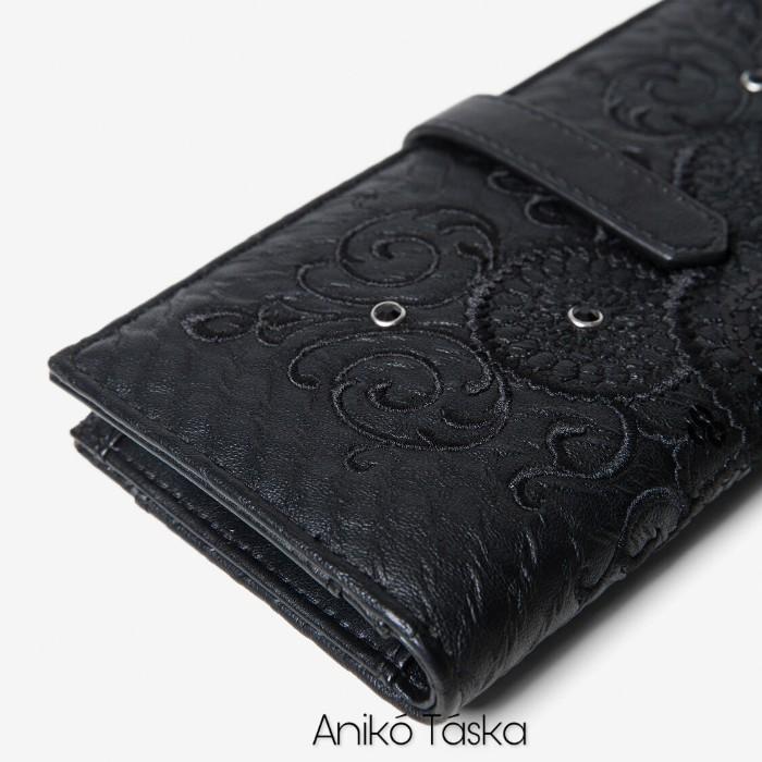 Desigual hosszú pénztárca sok kártyatartós fekete