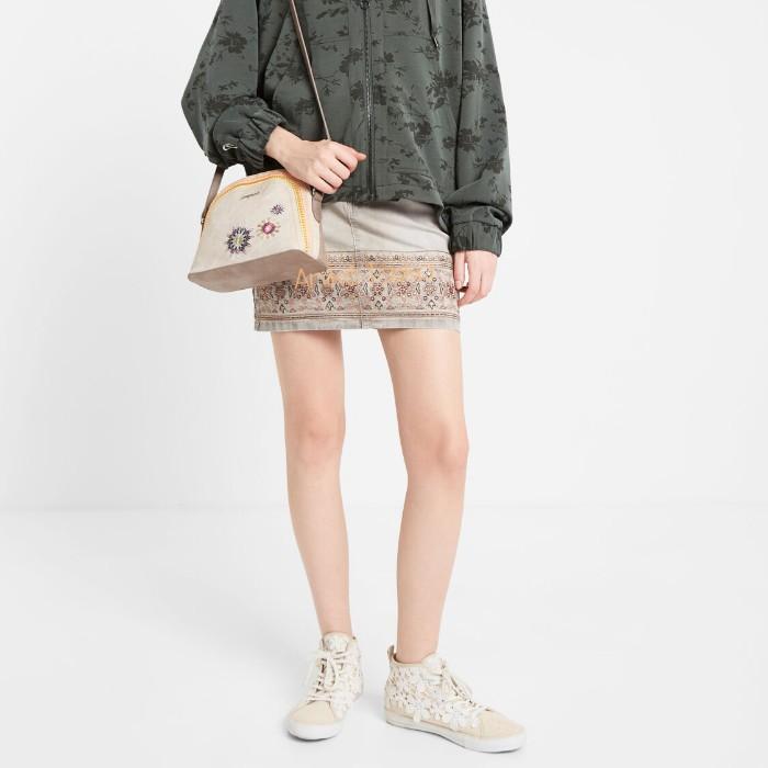 Desigual női táska íves átvetős fazon bézs