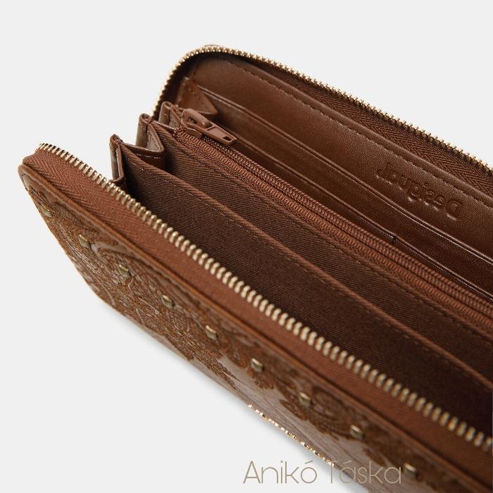 Desigual hímzett körbecipzáras nagy pénztárca barna