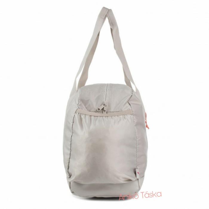 Puma női fitnesz táska fényes anyagú ezüst szürke
