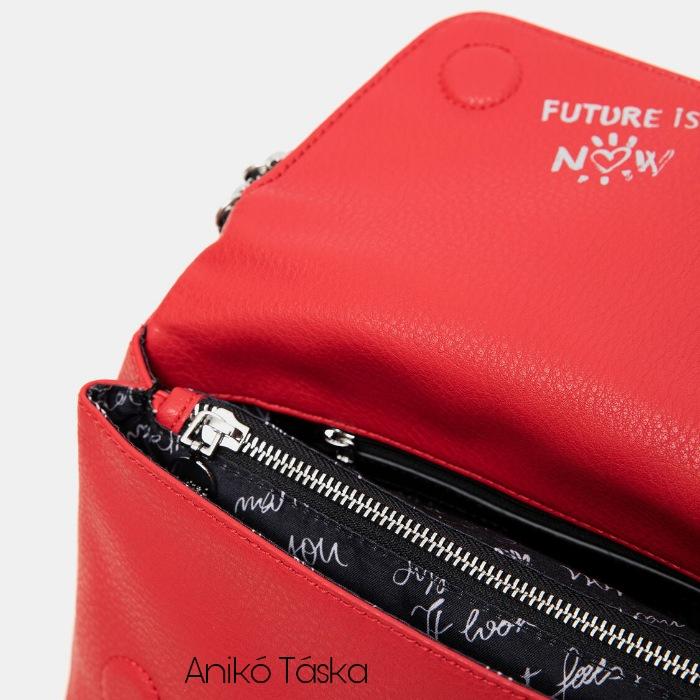 Új Desiguál női fedeles táska átvetős domború mintával piros