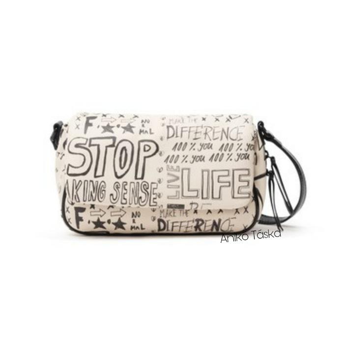 Új Desiguál női táska fedeles átvetős fazonú írásos bézs