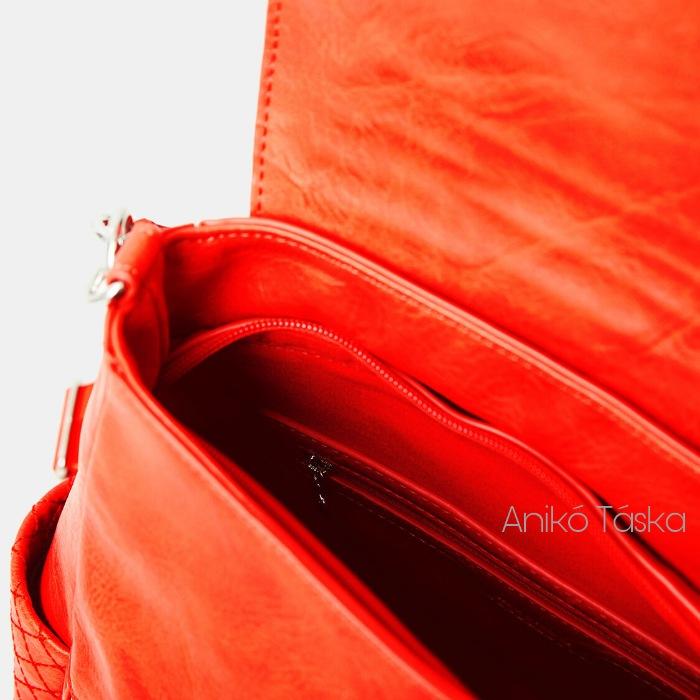 Új Desigual női válltáska és hátizsák egyben hímzett korall piros