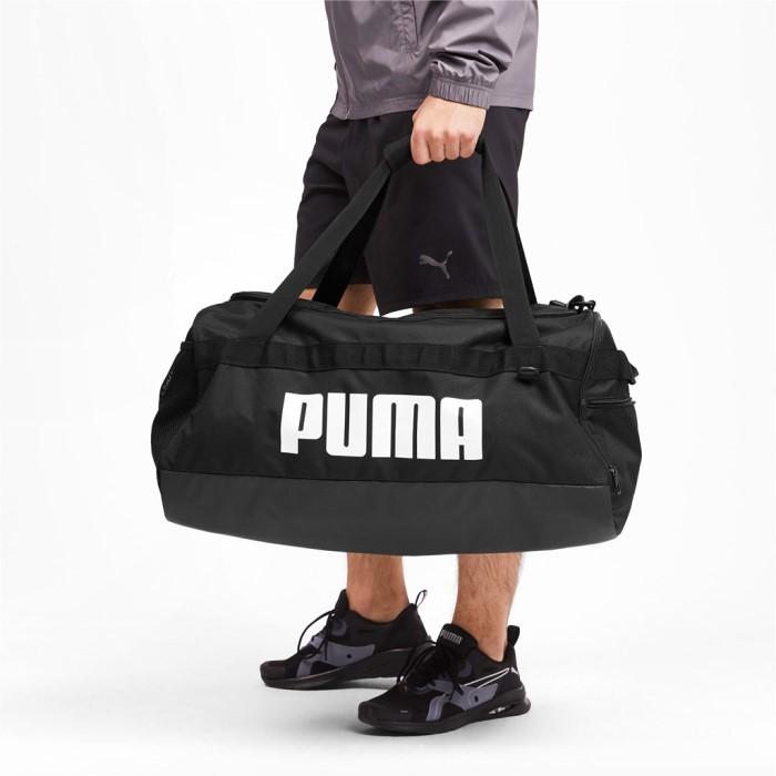 Új Puma M közepes sporttáska hevederes fekete